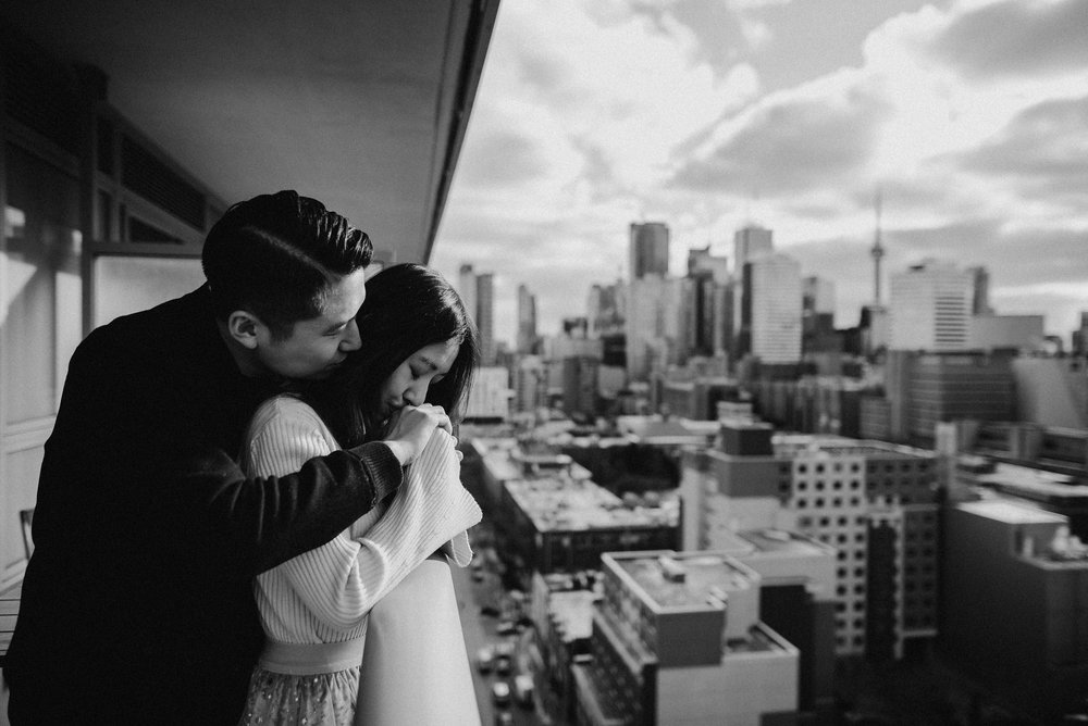 Intimate-toronto-engagement-photos