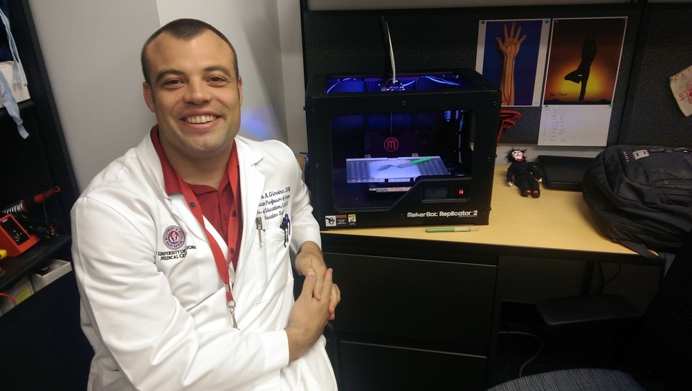 Nicholas Giovinco at the University of Arizona, University Medical Center's Department of Surgery, Replicator Lab