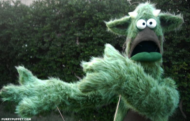 hysteric_green_monster_puppet.jpg