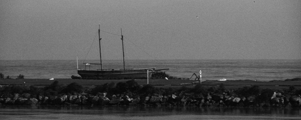 empty schooner