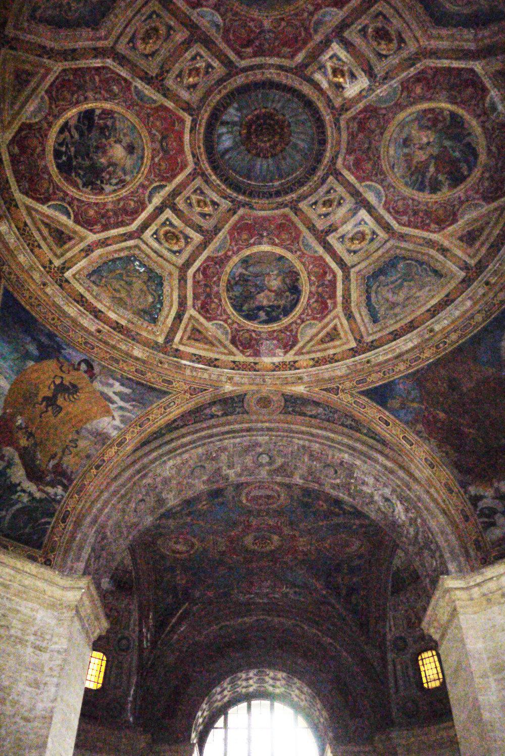 25_Broadway_ceiling.jpg