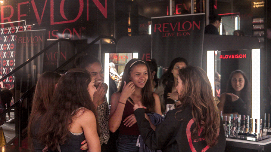 MOB_Revlon-(32)booths5.png