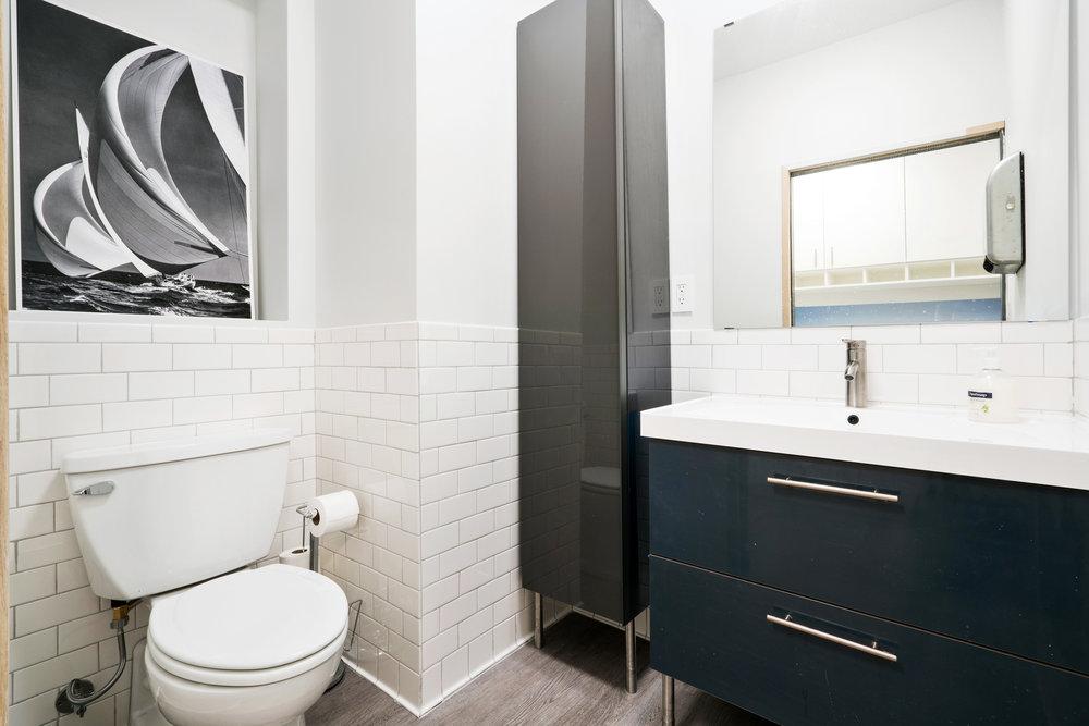 MN_MaidenLane_125_restroom 1.jpg
