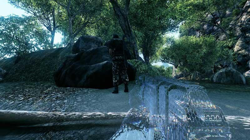 Crysis-cloak-engaged.jpg