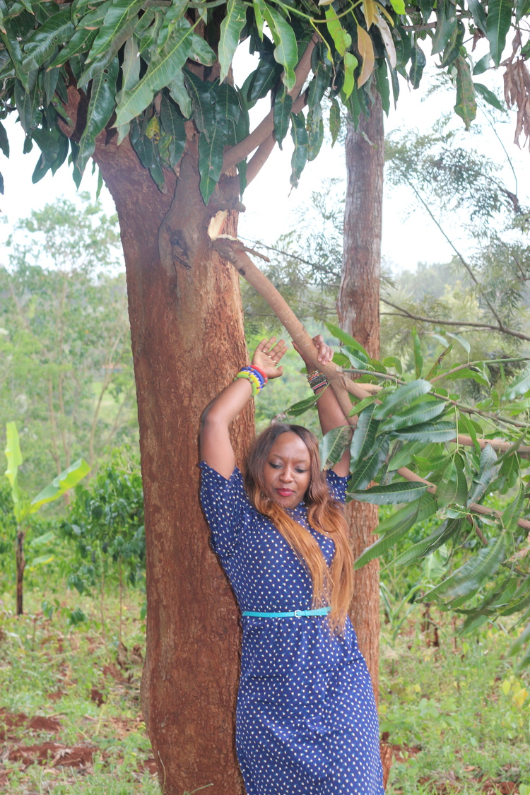 GATUNDU PART 2 - Documenting my tomboy behaviour and the fall that happened attempting to climb a tree!