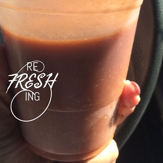 Breakfast this morning was a delicious Rainforest smoothie 🍎🍌 Have a great Thursday everyone 🤗💕 #carrot #apple #lime #avocado #banana #ginger #organic #raw #eatclean #fresh #smoothie #yum #fitness #delicious #vegan