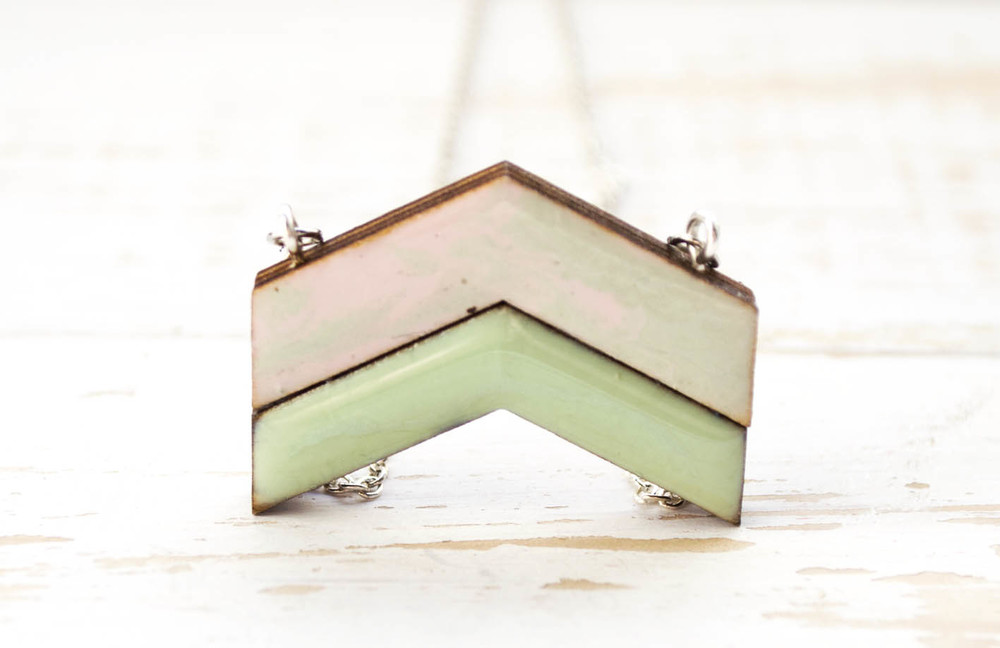 Marbled large Duco necklace in pastel pink and green