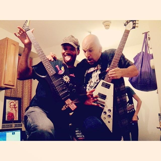 Guitar slingers  #MajorTaylor vs #DustAngel