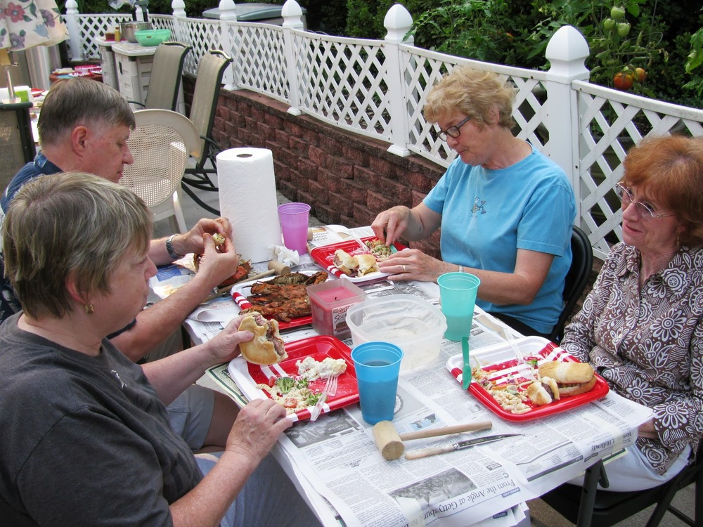Seniors-crab-feast-2013_03.JPG