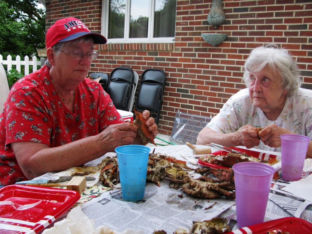 Seniors-crab-feast-2013_13.JPG