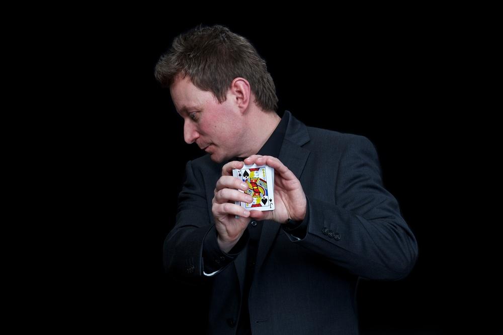 Ronnie Temple OP1_0296 Steve portrait magician.jpg