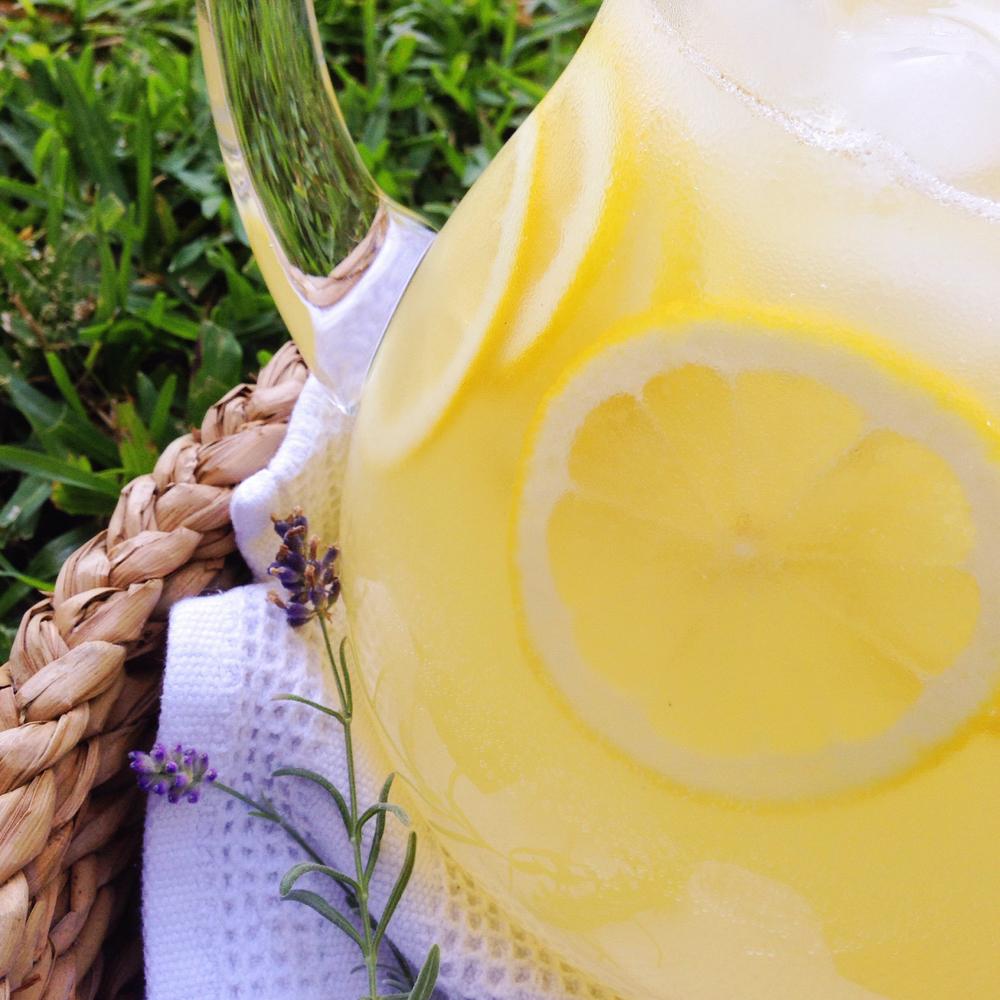 Lavender Lemonade | RafaellaSargi.com