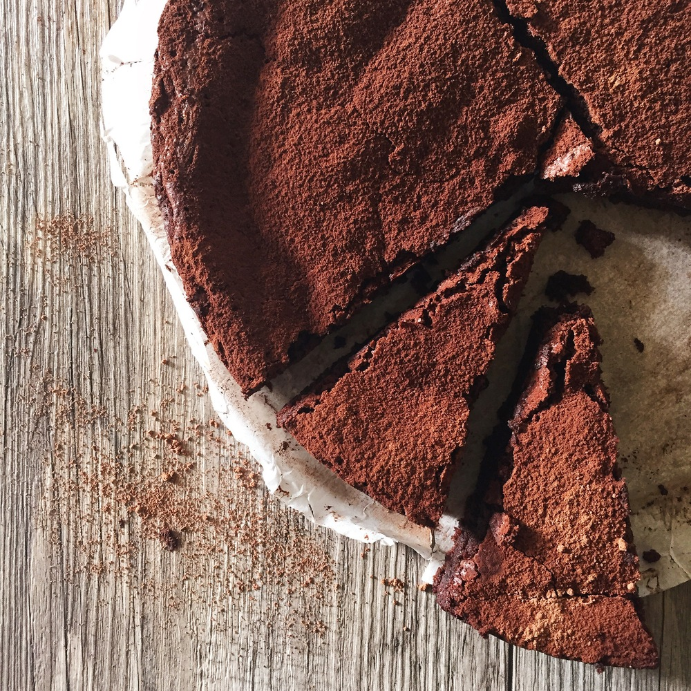 Gluten Free Chocolate Cake | RafaellaSargi.com