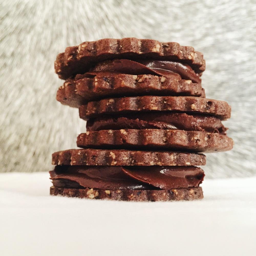 Chocolate Hazelnut Cookies & Nutella Ganache | RafaellaSargi.com