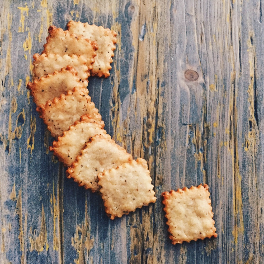 Parmesan Crackers | RafaellaSargi.com