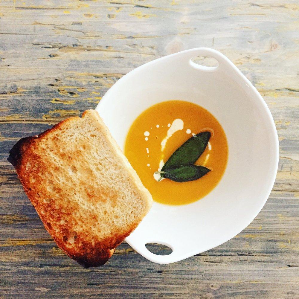 Butternut Squash Soup | RafaellaSargi.com