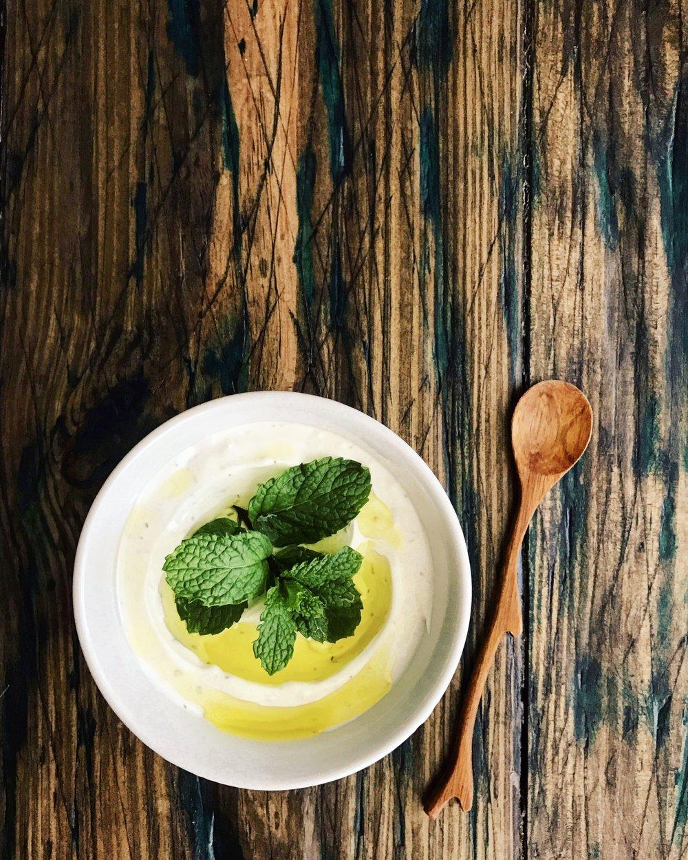 Labneh Garlic Dip | RafaellaSargi.com