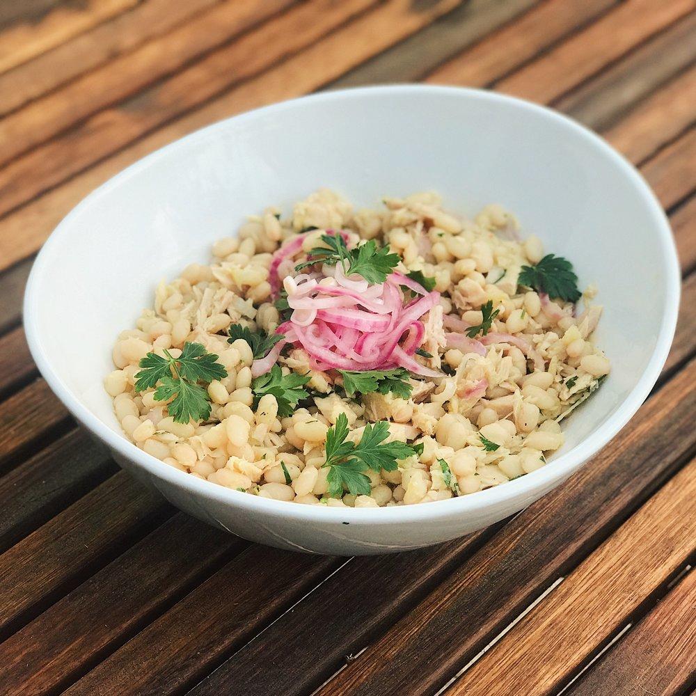 Tuna & White Bean Salad | RafaellaSargi.com