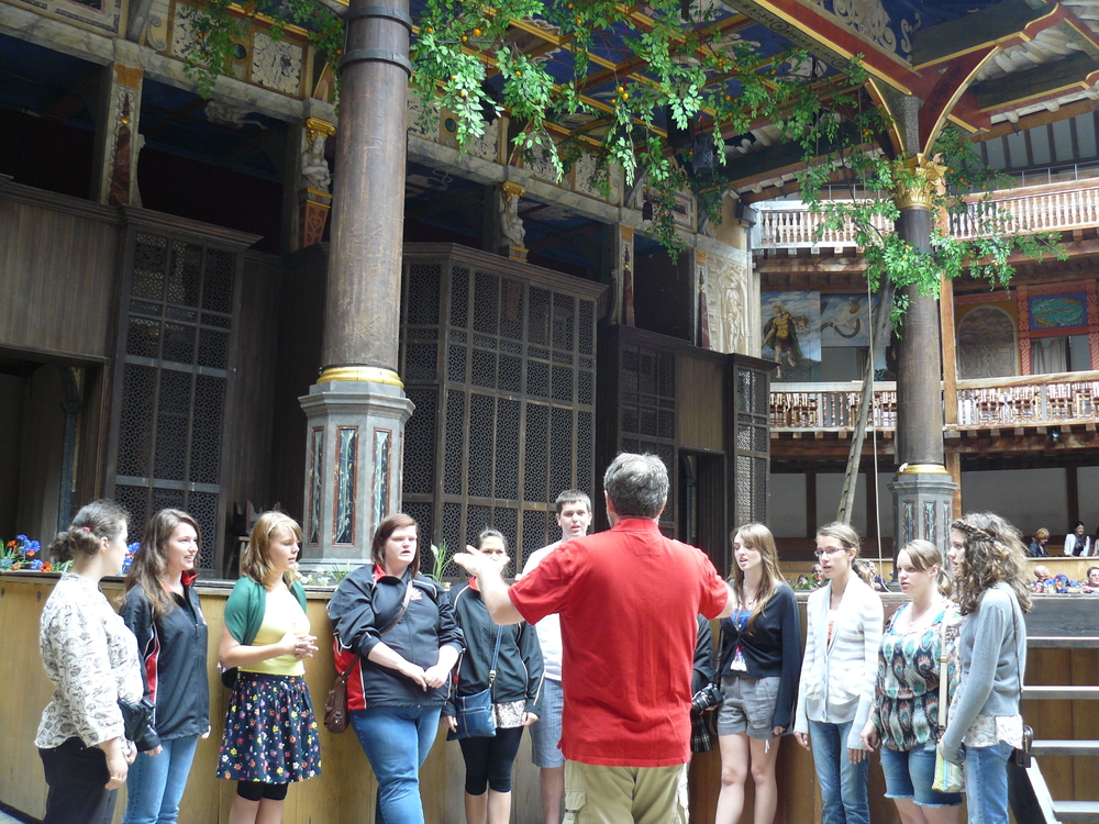 Singing in Shakespeare's Globe Theatre
