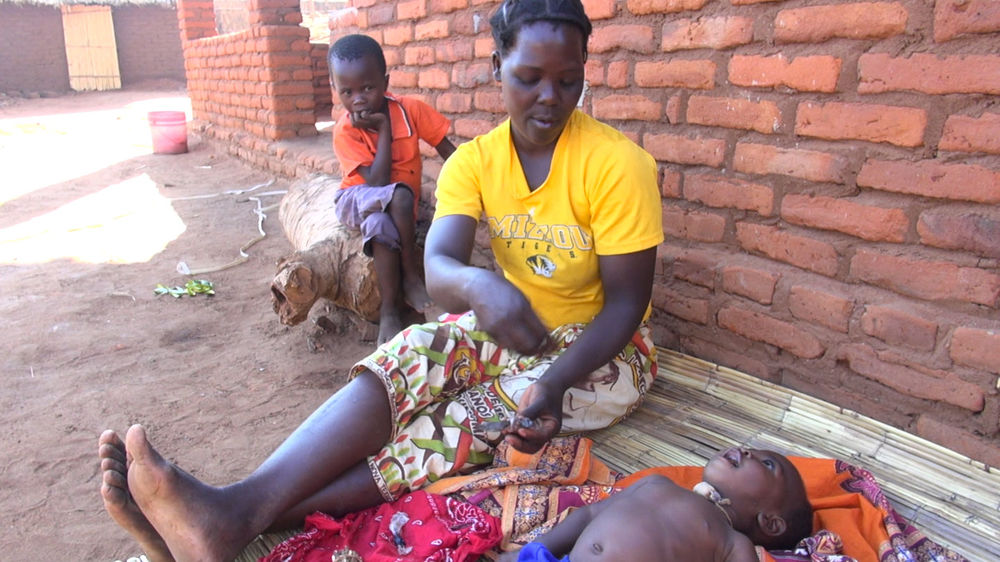 dona laura describes how she will apply traditional medicine to her baby son shukarani