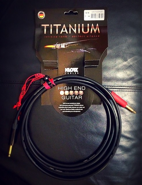 Titanium guitar cable