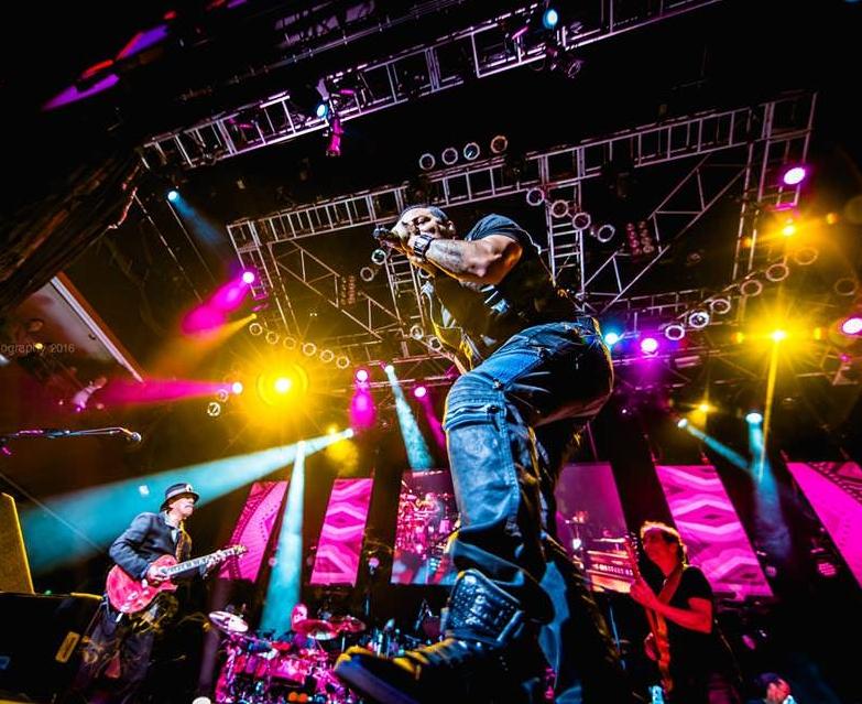 Santana 2016 World Tour