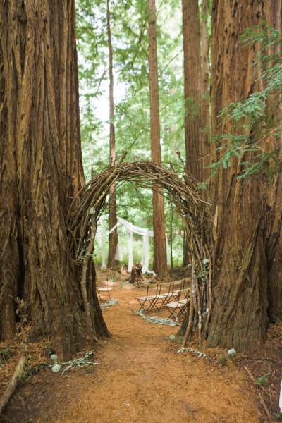 wooden arch by anaphoto.co.jpg