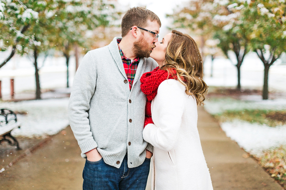 Oldani-Photography-St-Louis-Forest-Park-Engagement-Photos-Snow_20141116_15494367.jpg