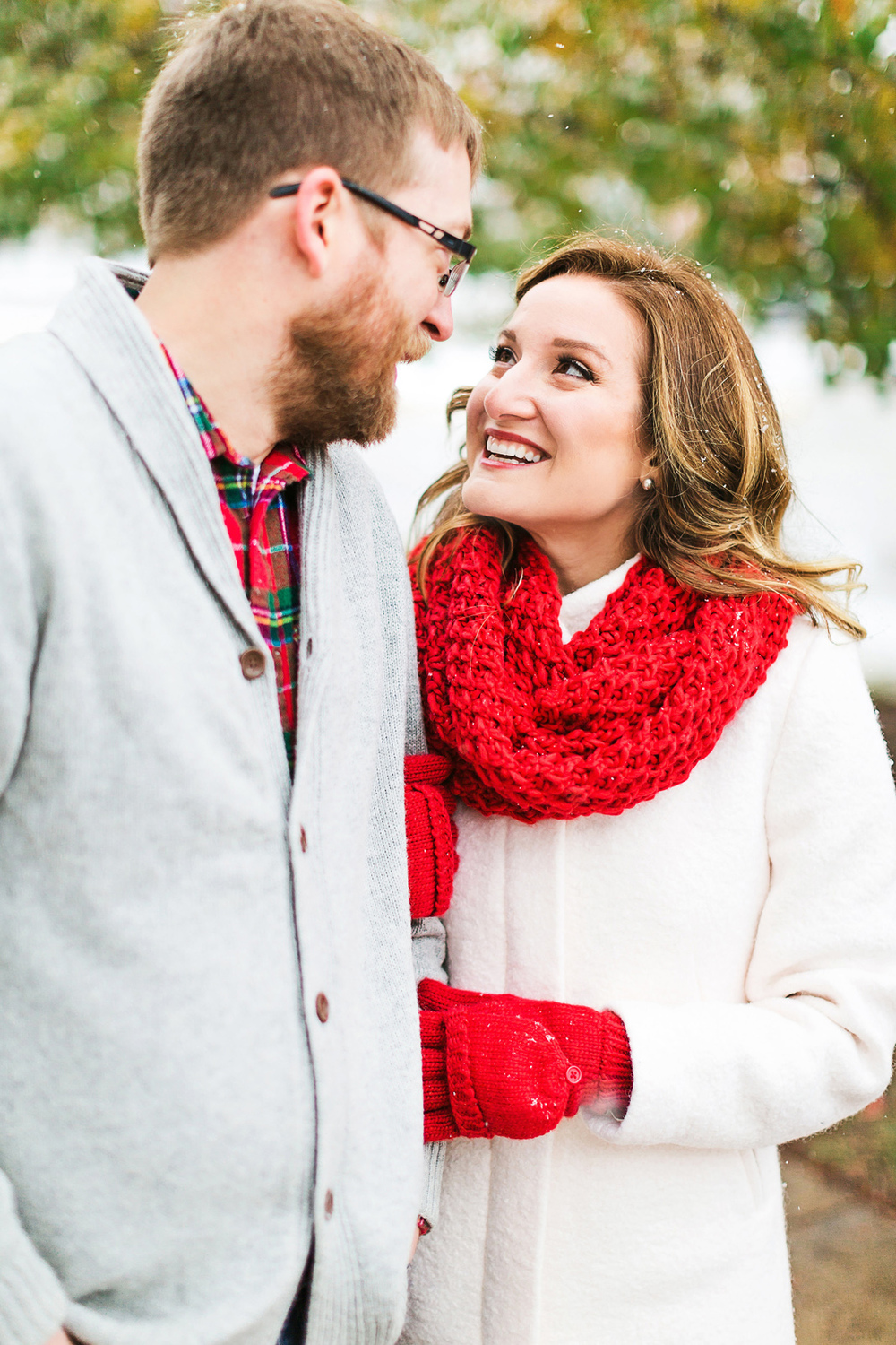 Oldani-Photography-St-Louis-Forest-Park-Engagement-Photos-Snow_20141116_15511874.jpg