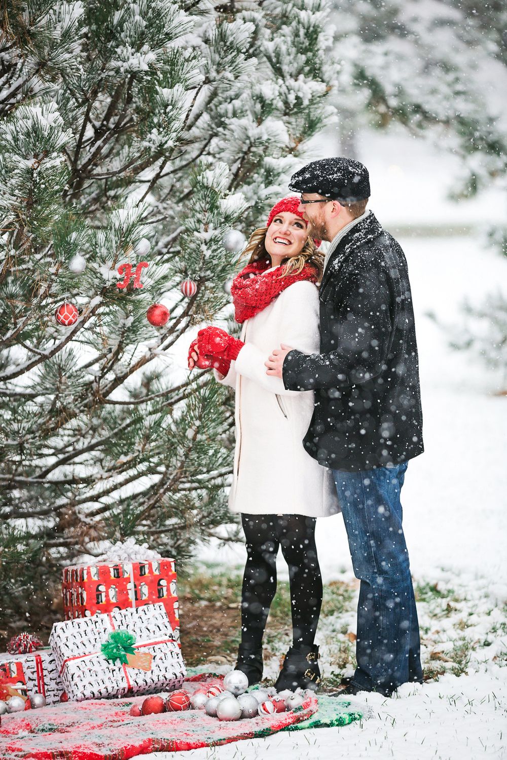 Oldani-Photography-St-Louis-Forest-Park-Engagement-Photos-Snow_20141116_16242900.jpg