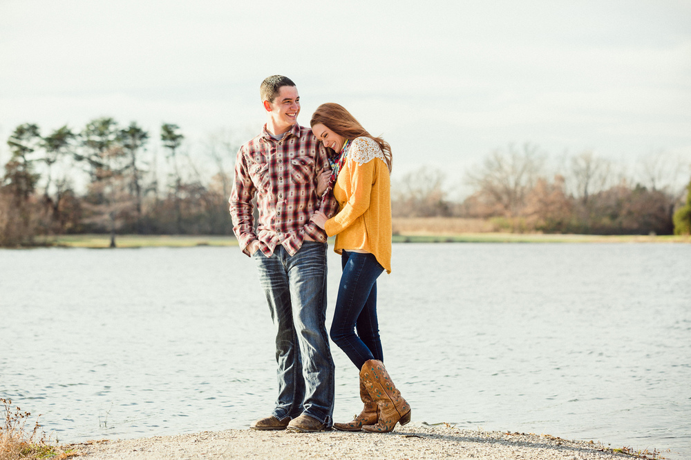 Oldani-Photography-St-Charles-August-A-Busch-Memorial-Area-Engagement-Session-engagement-photos_20141128_153944-2.jpg