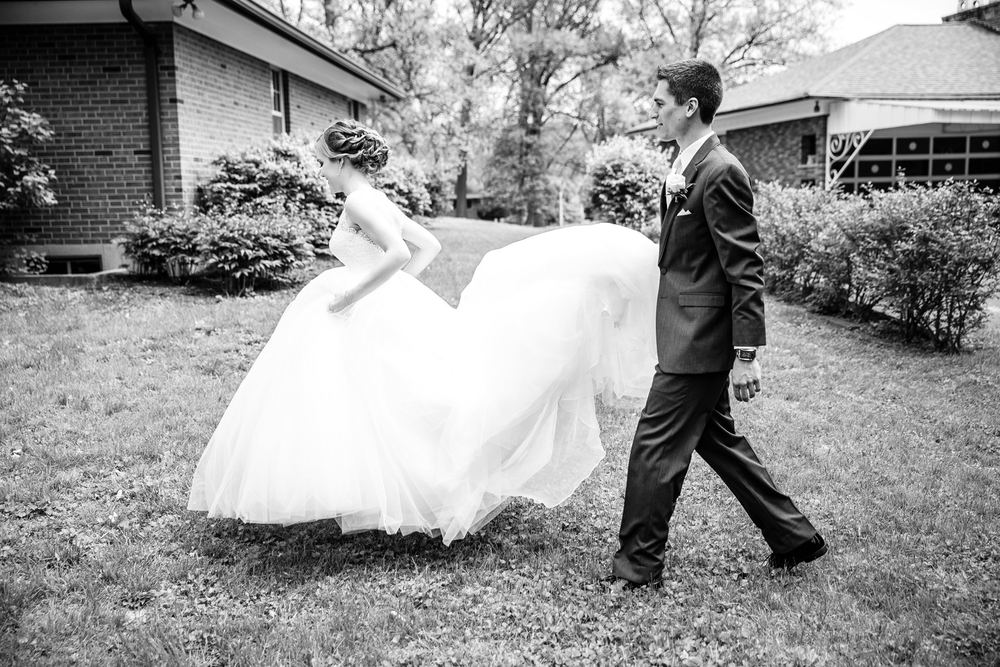 Bride in Webster St Louis Wedding Photographer Oldani Photography 7.jpg