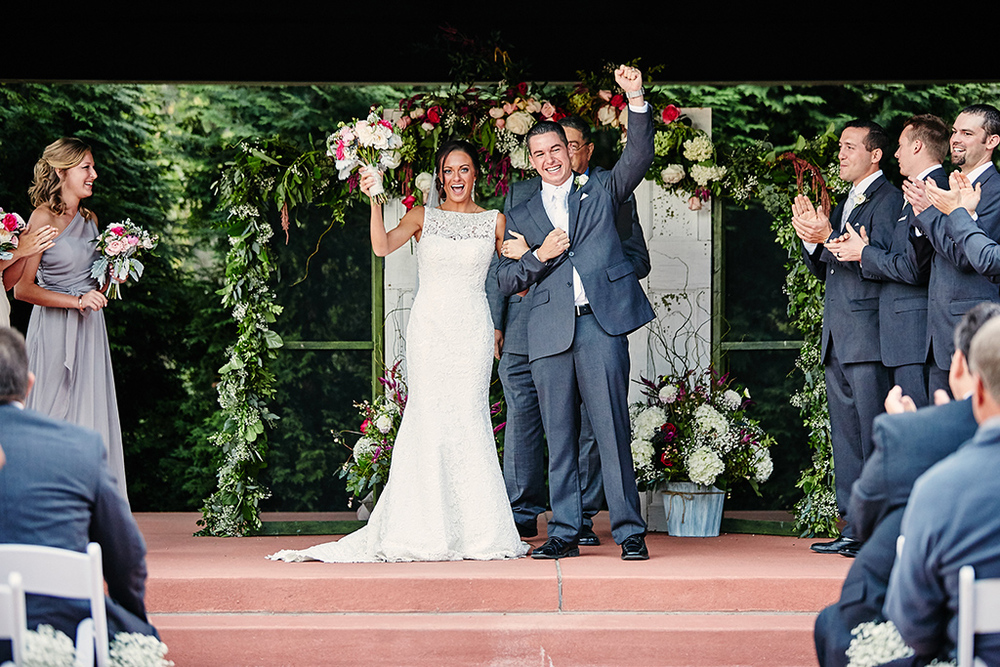 Wine Country Gardens / Defiance Wedding photos by St. Louis Wedding Photographers Oldani Photography