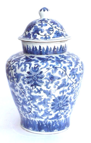 Blue & White Porcelain Ginger Jar Floral Pattern   10.5dx19h   OP086