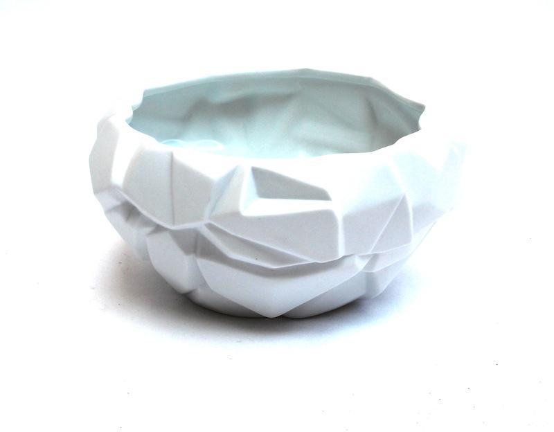 Porcelain Ice Vase   9×5h   BUPICE