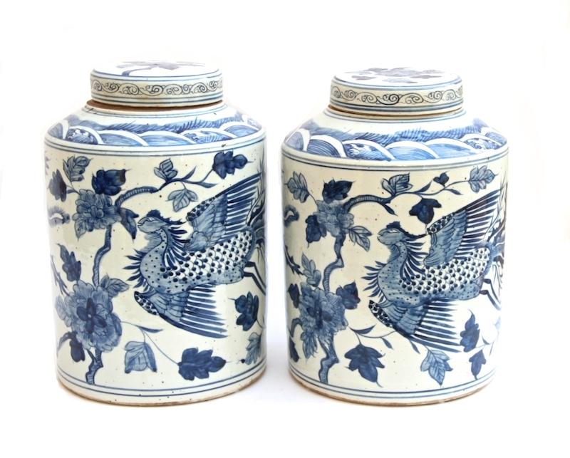 Chinese Blue and White Canister   10dx16h   OP169