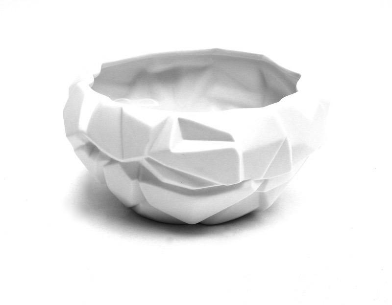 Porcelain Ice Vase  9x5h  BUPICE
