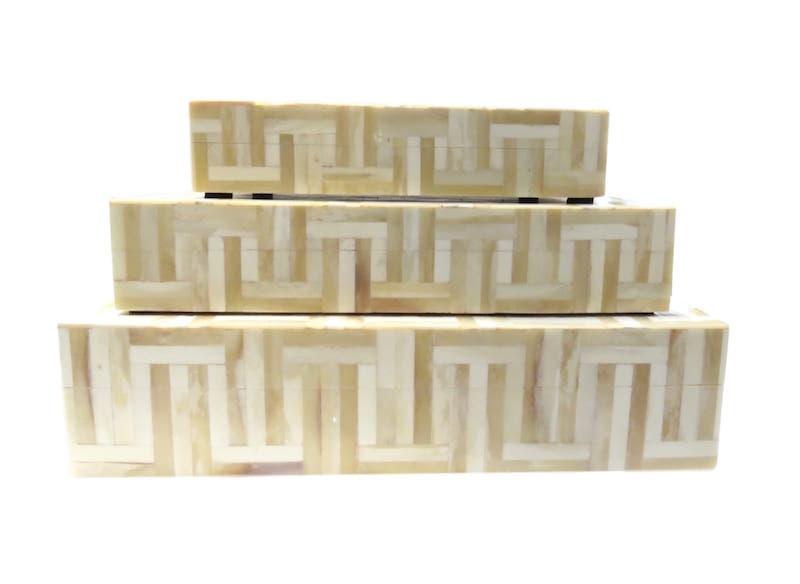 Natural/Beige Bone Line Box  BIJ502S  9x6x2  BIJ502M  12x7x3h  14x9x3h