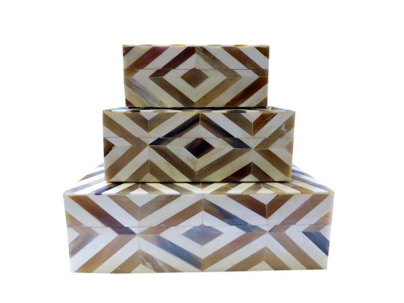 Horn/Bone Diamond Box  BIT281S  7x5.5x3h  BIT281M  9x7x3.5h  BIT281L  12x10x4h