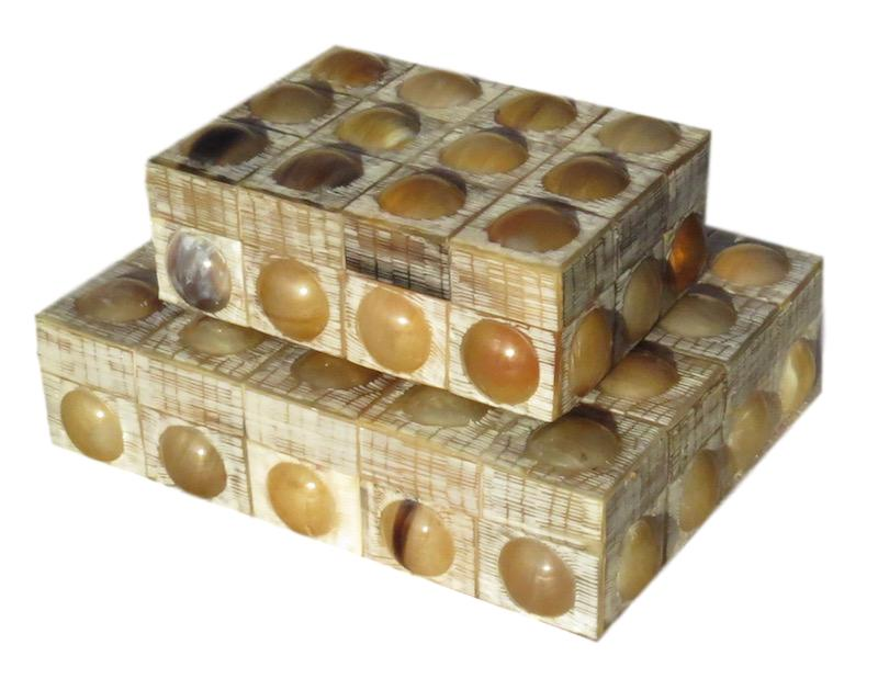 Etched/Smooth Raised Button Horn Box  7x5x2.5h  BIJ452S  Etched/Smooth Raised Button Horn Box  10x8x2.5h  BIJ452L