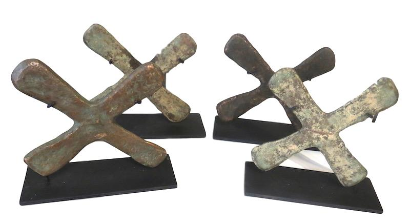 Katanga Cross Currency/Iron Stand DRC  8x3x7h +/-   AF197AA