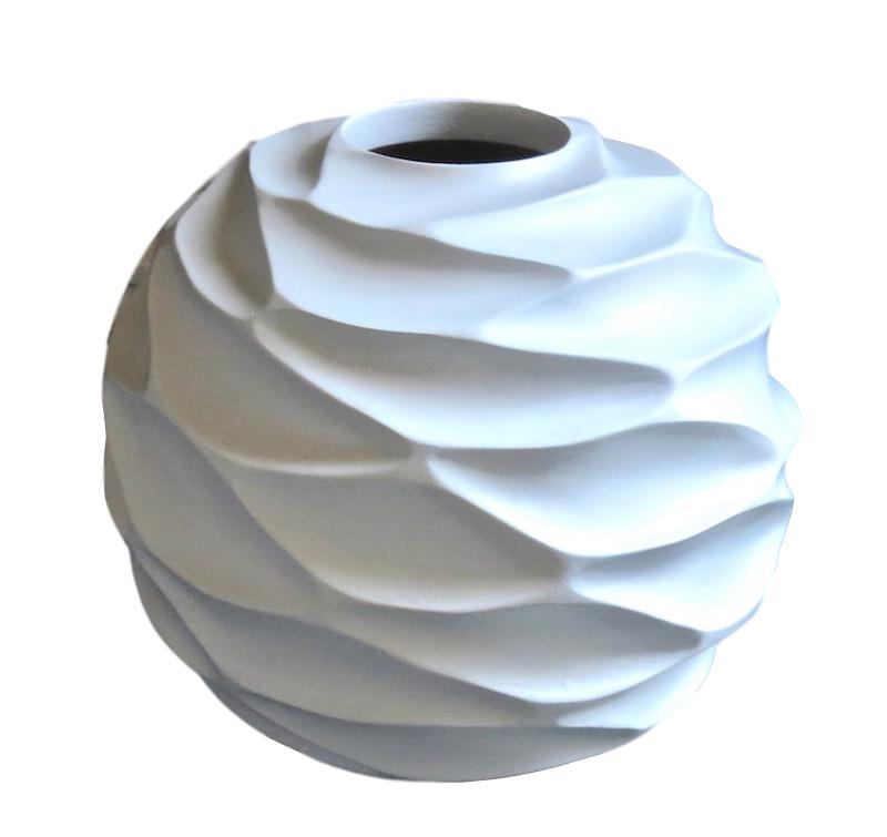 "Mango Wood Ripple Vase in White   12x11""h     BUMVAS24"