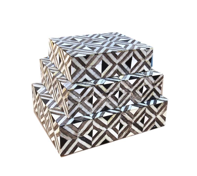 Black Horn/Etched Horn/Bone Box   Large 13x10x3.5h   BIJ957L  Medium 11x9x3h    BIJ957M  Small 9x7x2.5h    BIJ957S