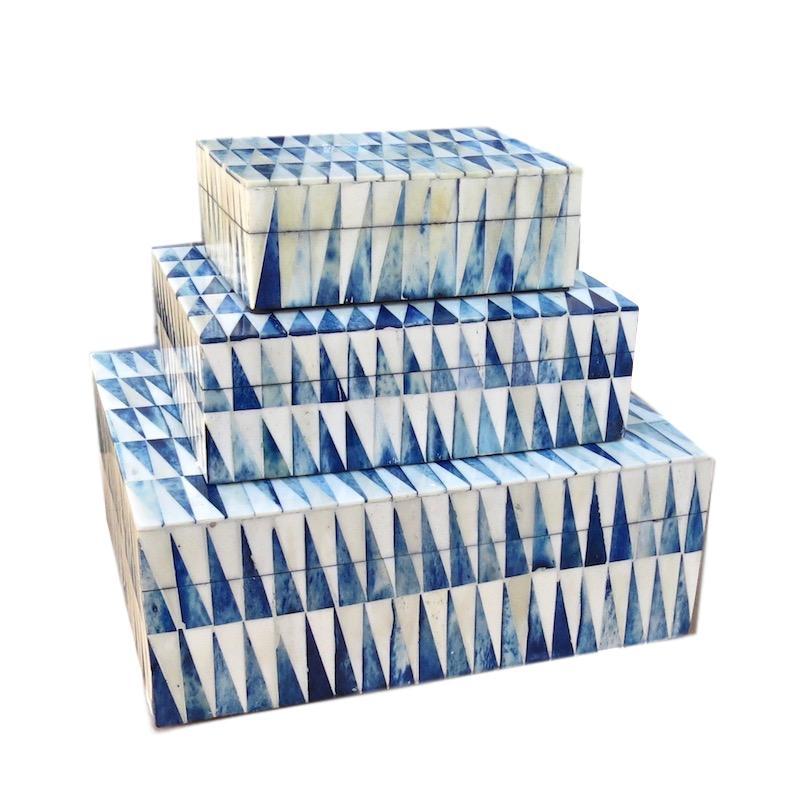 Pythagorus Blue and White Bone   Large 12x10x4.5h   BIR626L  Medium 9x7x3h    BIR626M  Small 7x5x2.5h   BIR626S