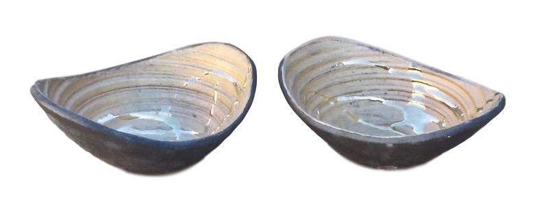Tatiana, 23k Gold/Black Ceramic Small Calligraphy Bowl   7x6x3h +/-  TA0085