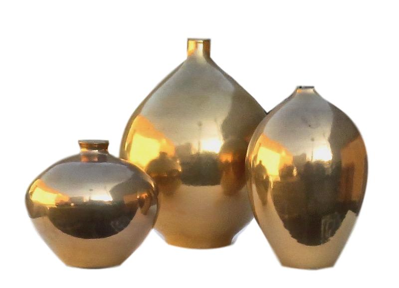 Ceramic Zaragossa Vase 5.5dx5h +/- Gold EUHV121G  Ceramic Geneve Vase 8dx10.5h +/- Gold EUHV118G  Ceramic Bilbao Vase 5.5dx7.5h +/- Gold EUHV120G