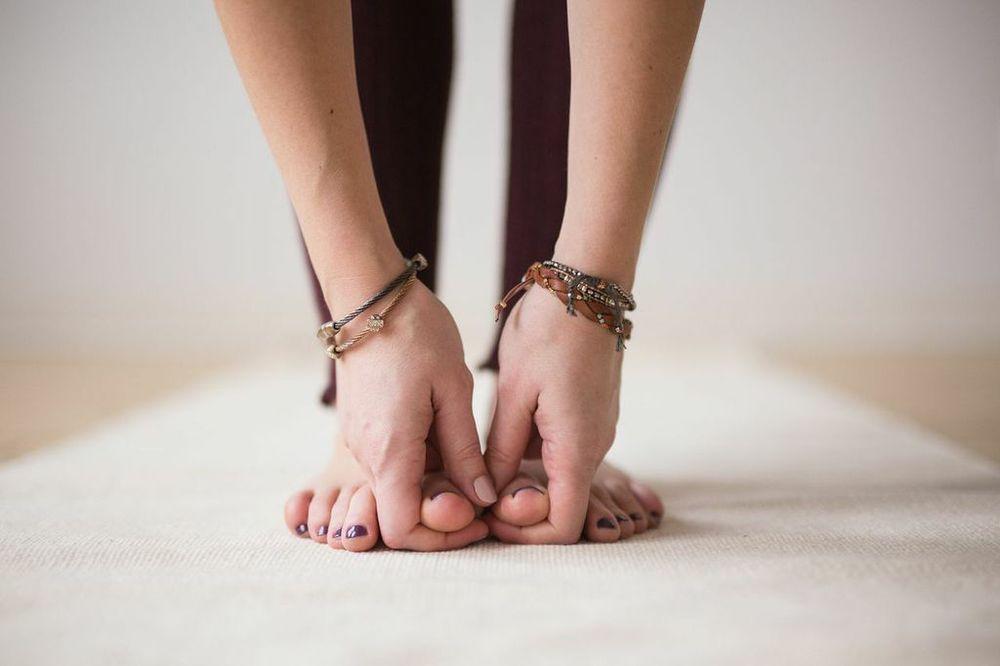 yoga-toes.jpg