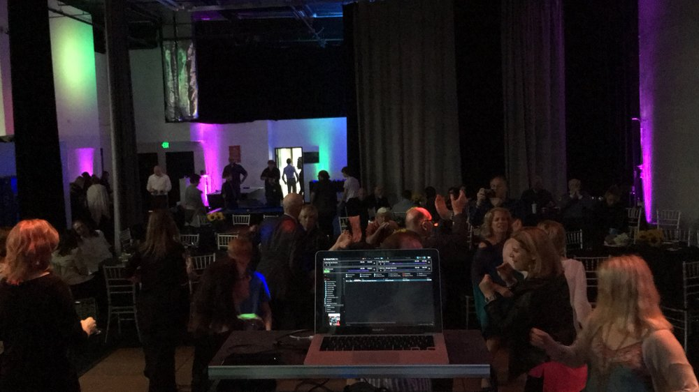 MOBILE DJs - PROFESSIONAL ENTERTAINMENT SERVICES.JPG