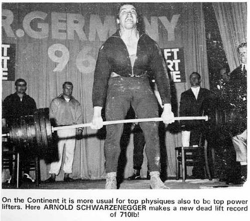 Arnold Schwarzenegger deadlift