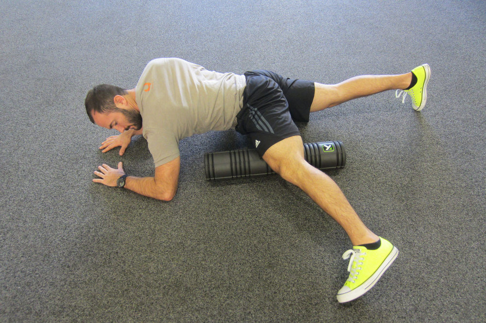 Personal Trainer Foam Roller Warmup